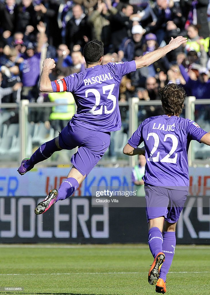 Manuel Pasqual of ACF Fiorentina #23 celebrates scoring the first goal during the Serie A match between ACF Fiorentina and AC Chievo Verona at Stadio Artemio Franchi on March 3, 2013 in Florence, Italy.