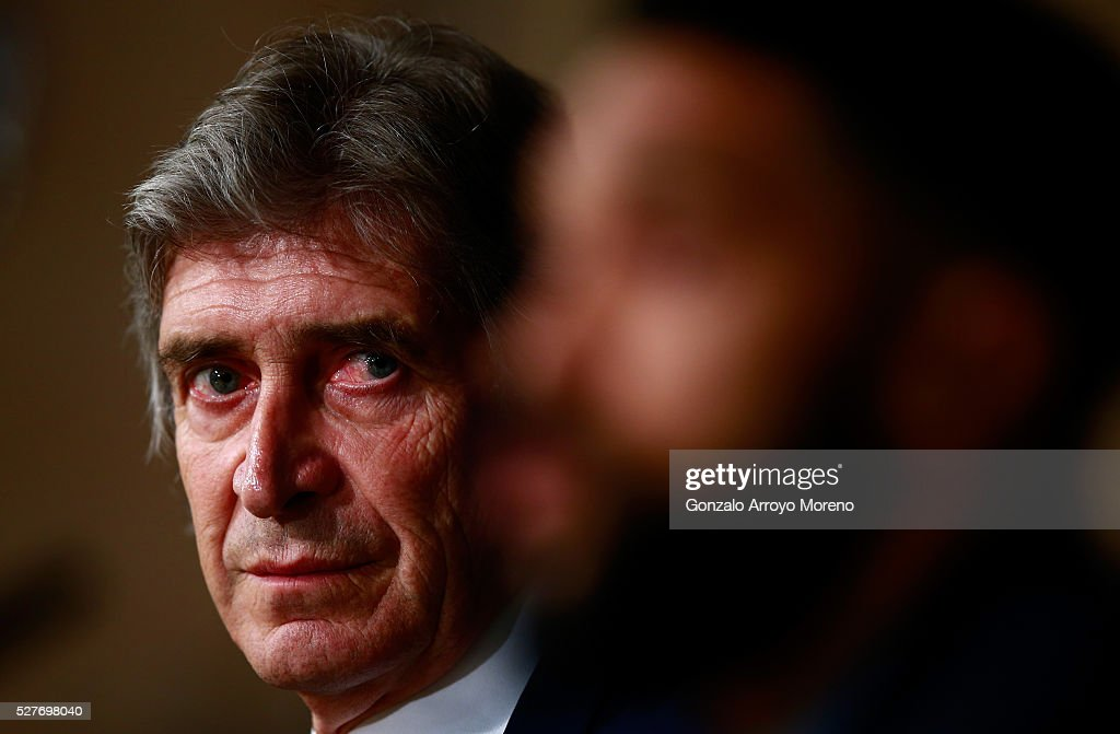 <a gi-track='captionPersonalityLinkClicked' href=/galleries/search?phrase=Manuel+Pellegrini&family=editorial&specificpeople=673553 ng-click='$event.stopPropagation()'>Manuel Pellegrini</a>, Manager of Manchester City faces the media during a press conference ahead of the UEFA Champions League Semi Final second leg match between Real Madrid and Manchester City FC at Estadio Santiago Bernabeu on May 3, 2016 in Madrid, Spain.