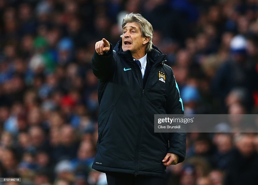 <a gi-track='captionPersonalityLinkClicked' href=/galleries/search?phrase=Manuel+Pellegrini&family=editorial&specificpeople=673553 ng-click='$event.stopPropagation()'>Manuel Pellegrini</a>, Manager of Manchester City gives instructions during the Barclays Premier League match between Manchester City and Tottenham Hotspur at Etihad Stadium on February 14, 2016 in Manchester, England.