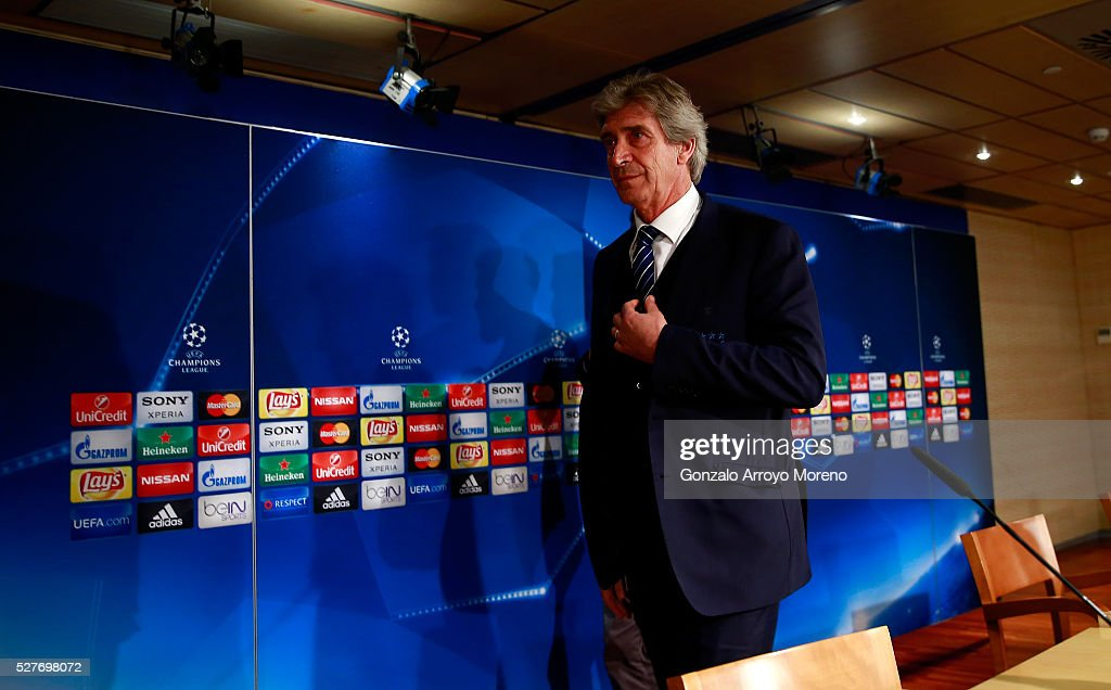 <a gi-track='captionPersonalityLinkClicked' href=/galleries/search?phrase=Manuel+Pellegrini&family=editorial&specificpeople=673553 ng-click='$event.stopPropagation()'>Manuel Pellegrini</a>, Manager of Manchester City takes his seat during a press conference ahead of the UEFA Champions League Semi Final second leg match between Real Madrid and Manchester City FC at Estadio Santiago Bernabeu on May 3, 2016 in Madrid, Spain.