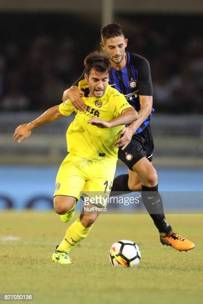 Manuel Trigueros Muoz of Villareal CF and Roberto Gagliardini of FC Internazionale compete for the ball during the PreSeason 2017/2018 International...