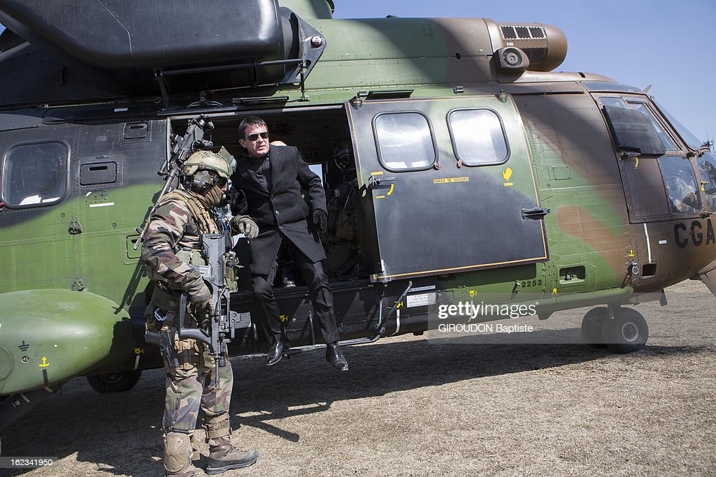 Manuel Valls, Minister of the Interior in a helicopter during his visit to the region on February 15, 2013 in Afghanistan.