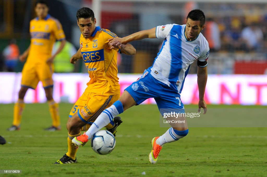 Manuel Viniegra Garcia of Tigres in action during a match between Tigres UANL and Puebla FC as part of the Liga MX at Universitario stadium on September 21, 2013 in Monterrey, Mexico.