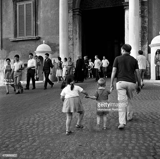 'Many people gather with agitation in the square in front of the entrance to Quirinal Palace in order to give support and collect information about...