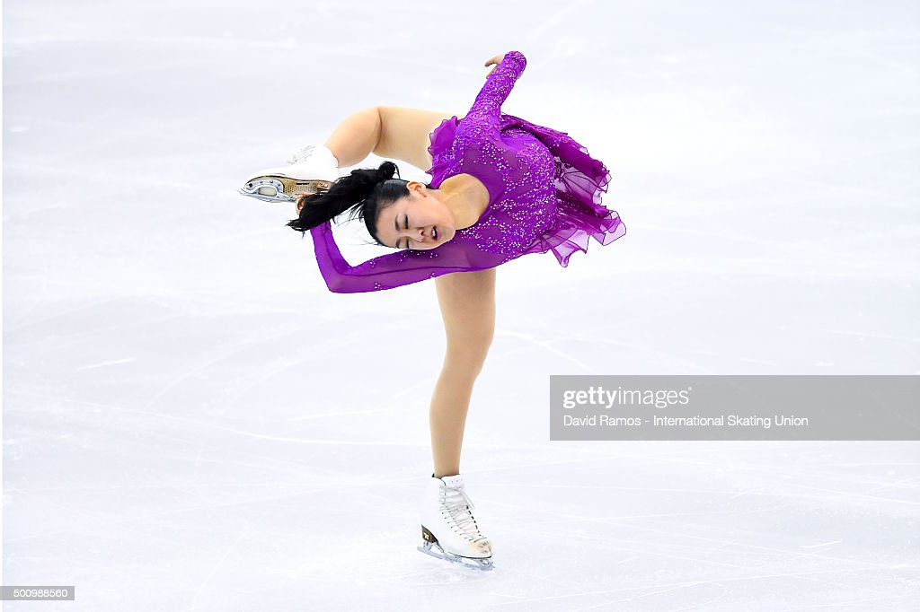 <a gi-track='captionPersonalityLinkClicked' href=/galleries/search?phrase=Mao+Asada&family=editorial&specificpeople=247229 ng-click='$event.stopPropagation()'>Mao Asada</a> of Japan performs during the Ladies Short program during day two of the ISU Grand Prix of Figure Skating Final 2015/2016 at the Barcelona International Convention Centre on December 11, 2015 in Barcelona, Spain.