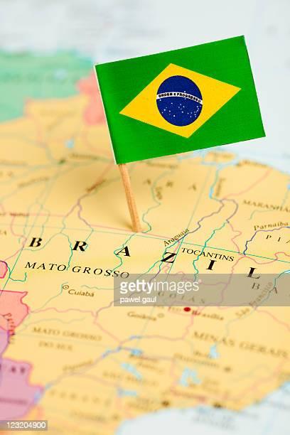 Mapa e a bandeira do Brasil