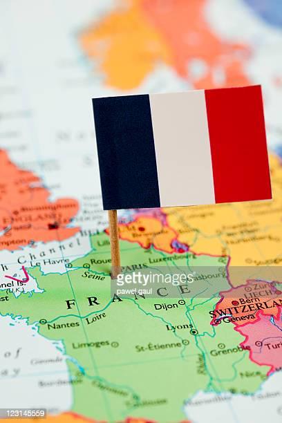 Carte et le drapeau de la France