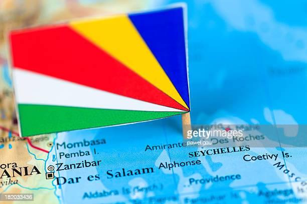 Carte et drapeau des Seychelles