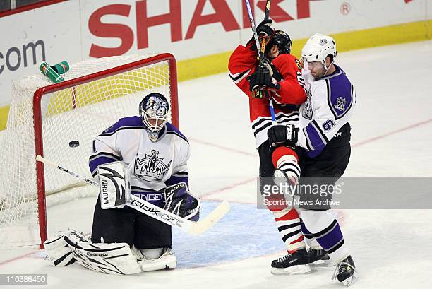 Mar 06 2007 Chicago IL USA Los Angeles Kings SEAN BURKE JAMIE HEWARD against Chicago Blackhawks MARTIN LAPOINTE at the United Center in Chicago Ill...