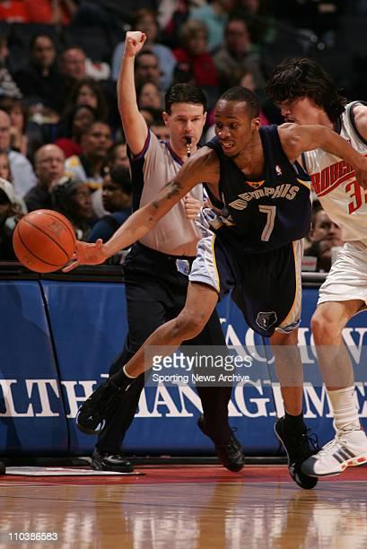 Mar 10 2007 Charlotte NC USA Memphis Grizzlies TARENCE KINSEY against Charlotte Bobcats ADAM MORRISON at the Charlotte Bobcats Arena in Charlotte NC...