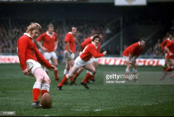 Steve Fenwick of Wales during the game against England at Cardiff Wales Wales won 14 9 Mandatory Credit Adrian Murrell /Allsport