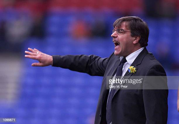 10 Mar 2001Bolton Wanderers manager Sam Allardyce issues orders to his players during the Nationwide 1st Division match between Bolton Wanderers and...