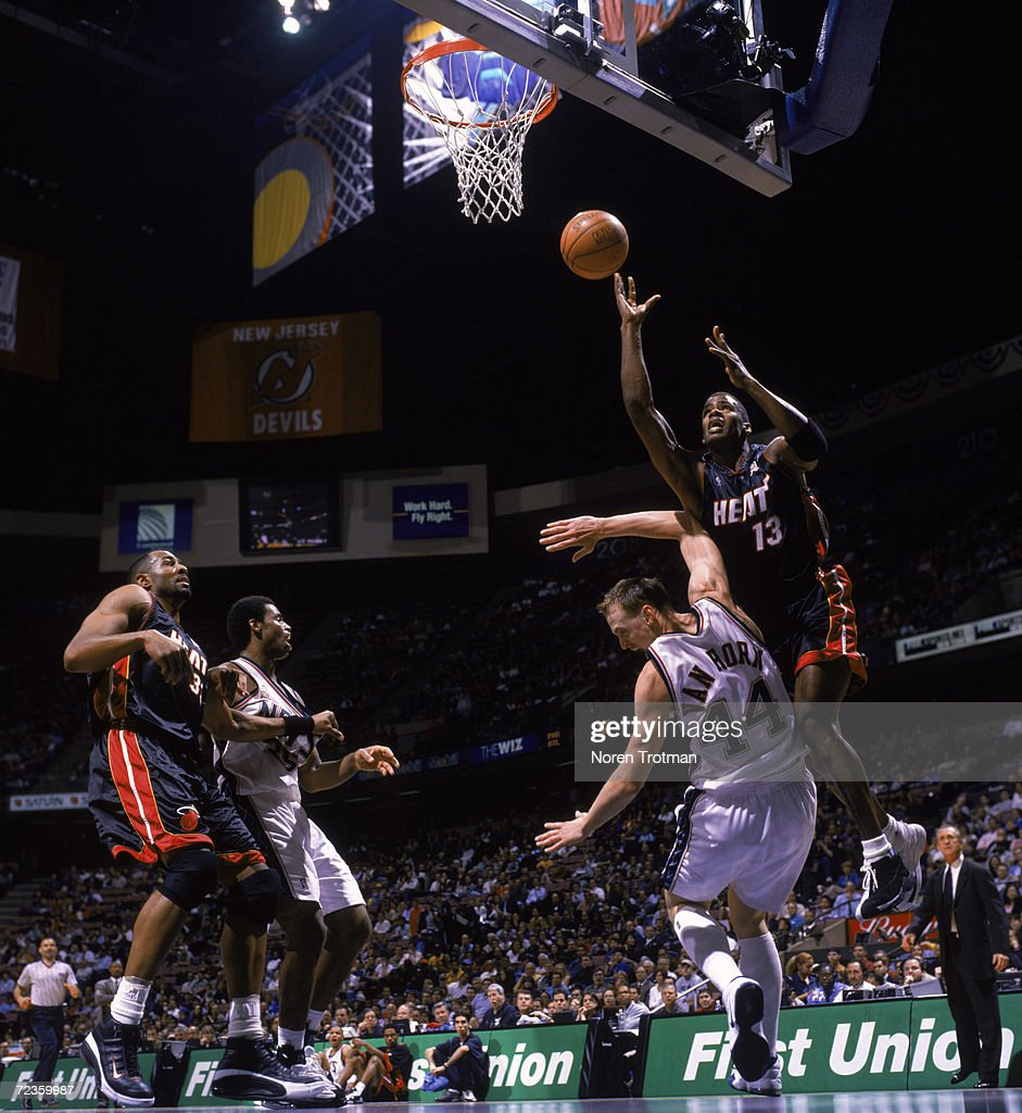 Kendall Gill 13 of the Miami Heat shoots