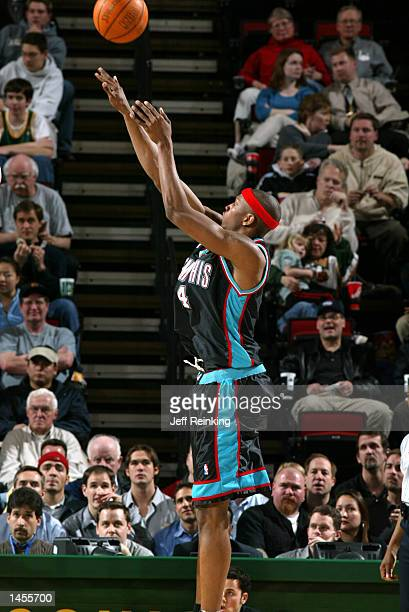 Stromile Swift of the Memphis Grizzlies shoots against the Seattle SuperSonics at Key Arena in Seattle Washington DIGITAL IMAGE Note to User User...