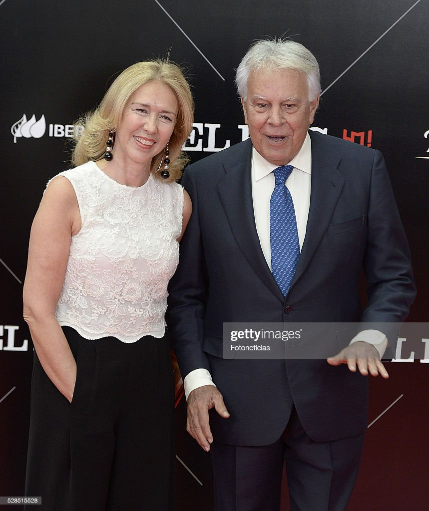 Mar Garcia Vaquero and Felipe Gonzalez attend the El Pais 40th anniversary dinner and 'Ortega y Gasset' awards ceremony at the Palacio de Cibeles on May 5, 2016 in Madrid, Spain.
