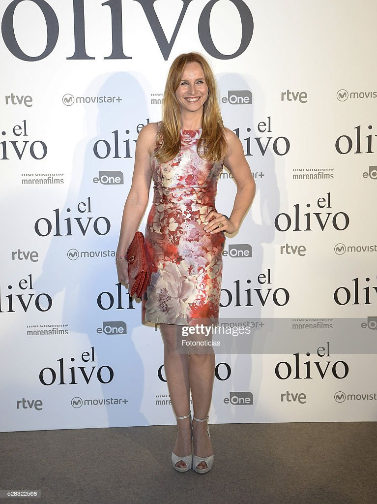 Mar Regueras attends the premiere of 'El Olivo' at the Capitol cinema on May 4, 2016 in Madrid, Spain.