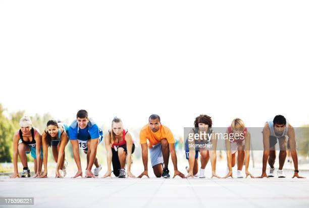 Maratona corridori sulla linea di partenza.