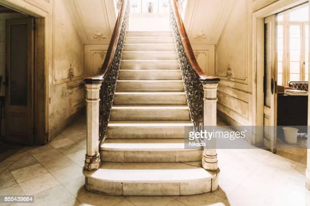 Escalier en marbre d'une Villa coloniale à la Havane, Cuba