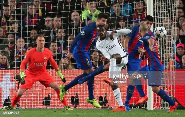 Marc Andre Ter StegenBlaise Matuidi Luis Suarez Gerard Pique and Javier Mascherano during UEFA Champions League match between FC Barcelona v PSG in...