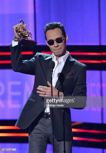 Marc Anthony accepts an award onstage during Univision's 28th Edition of Premio Lo Nuestro A La Musica Latina on February 18 2016 in Miami Florida