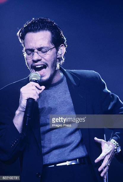 Marc Anthony performs at Madison Square Garden circa 1998 in New York City
