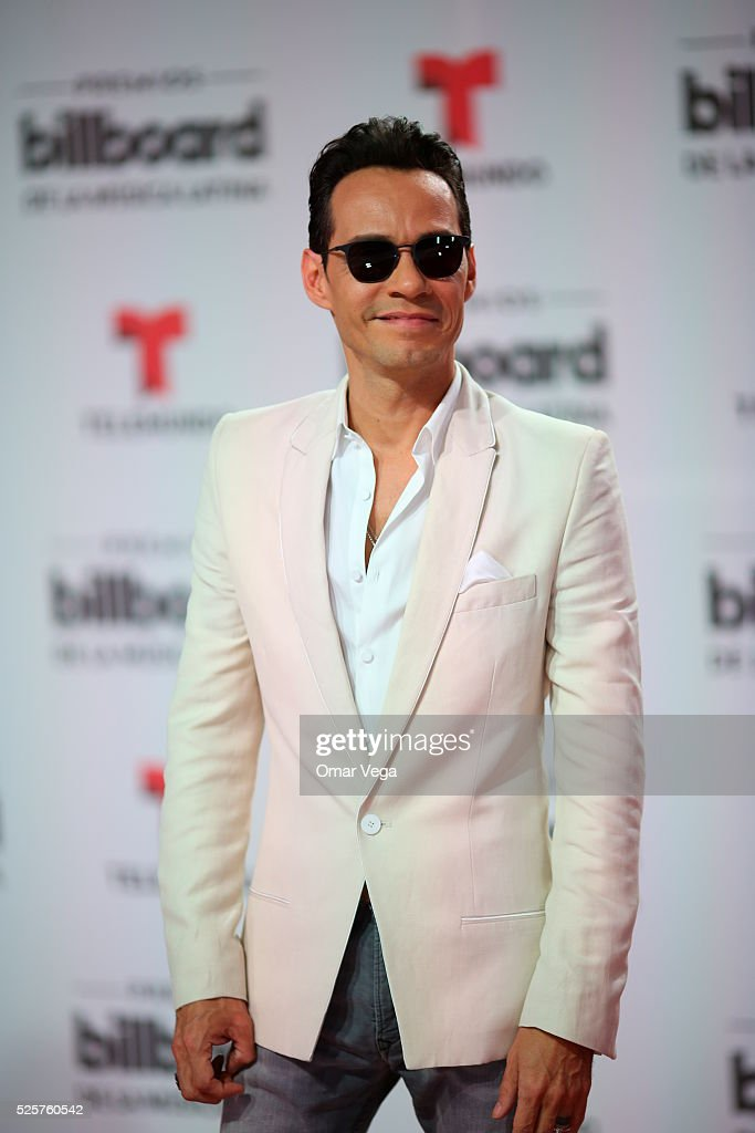 Marc Anthony poses during the red carpet of Billboard Latin Music Awards 2016 at Bank United Center on April 28, 2016 in Miami, United States.