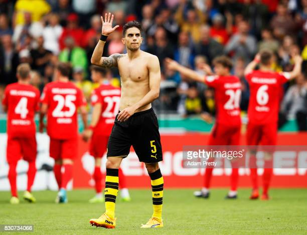 Marc Bartra of Borussia Dortmund thanks the fans after the DFB Cup match between 1 FC RielasingenArlen and Borussia Dortmund at SchwarzwaldStadion on...
