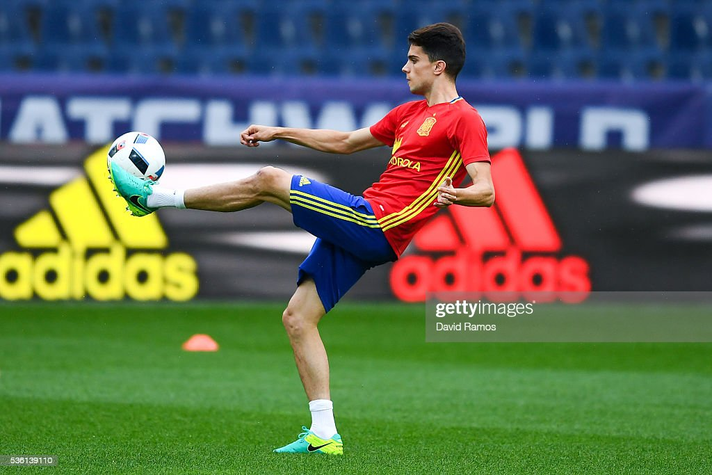 <a gi-track='captionPersonalityLinkClicked' href=/galleries/search?phrase=Marc+Bartra&family=editorial&specificpeople=6733759 ng-click='$event.stopPropagation()'>Marc Bartra</a> of Spain in action during a training session at the Red Bull Arena stadium on May 31, 2016 in Salzburg, Austria.