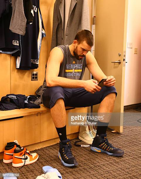 Marc Gasol of the Memphis Grizzlies gets ready before the game against the New York Knicks on October 29 2016 at Madison Square Garden in New York...
