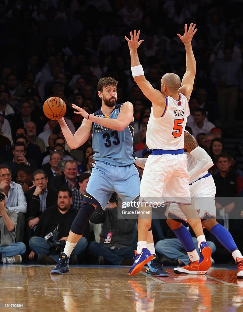 <a gi-track='captionPersonalityLinkClicked' href=/galleries/search?phrase=Marc+Gasol&family=editorial&specificpeople=661205 ng-click='$event.stopPropagation()'>Marc Gasol</a> #33 of the Memphis Grizzlies passes the ball against the New York Knicks at Madison Square Garden on March 27, 2013 in New York City. The Knicks defeated the Grizzlies 108-101.