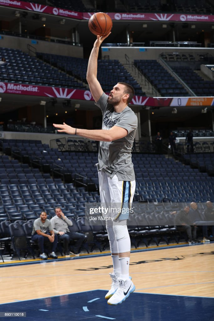Marc Gasol #33 of the Memphis Grizzlies warms up before the game against the Miami Heat on December 11, 2017 at FedExForum in Memphis, Tennessee.