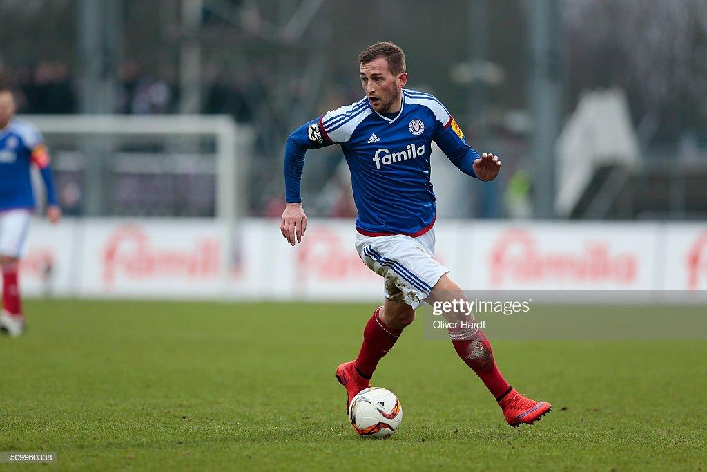 Marc Heider of Kiel in action during the 3 liga match between Holstein Kiel and VfL Osnabrueck at Holstein-Stadion on February 13, 2016 in Kiel, Germany.
