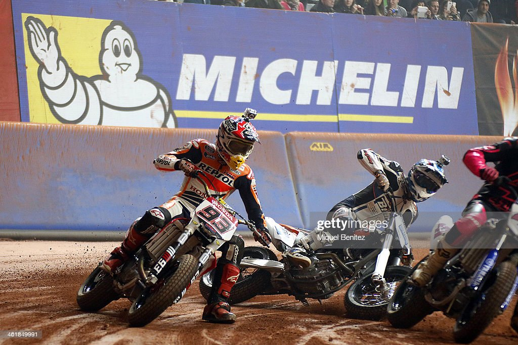 <a gi-track='captionPersonalityLinkClicked' href=/galleries/search?phrase=Marc+Marquez&family=editorial&specificpeople=5409395 ng-click='$event.stopPropagation()'>Marc Marquez</a> rounds the bend during the Superprestigio Dirt Track Race at the Palau of Sant Jordi on January 11, 2014 in Barcelona, Spain.
