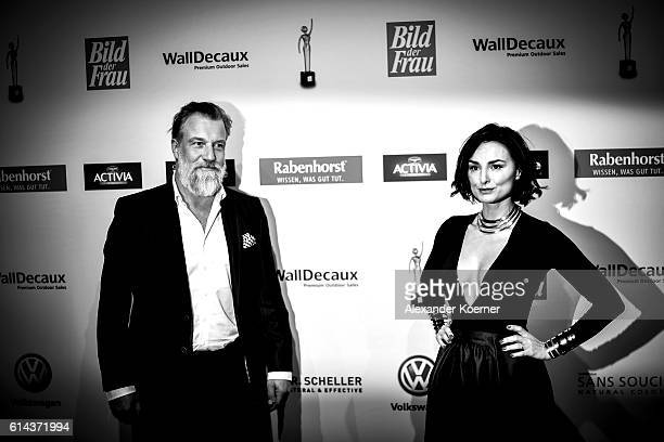 Marc Marshall and Mimi Fiedler attend the red carpet at the 'Goldene Bild der Frau' award at Stage Theater on October 13 2016 in Hamburg Germany