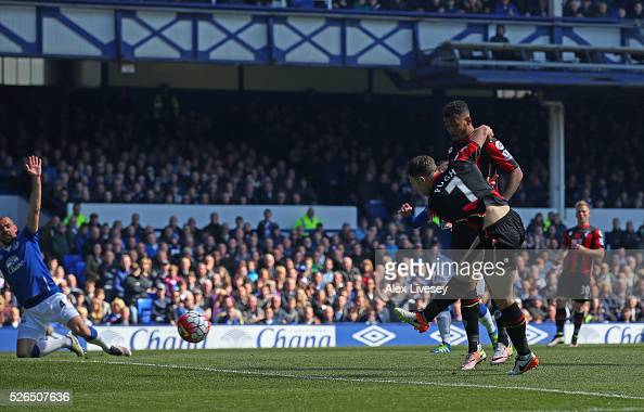 Marc Pugh of Bournemouth scores his team's first goal during the Barclays Premier League match between Everton and AFC Bournemouth at Goodison Park...