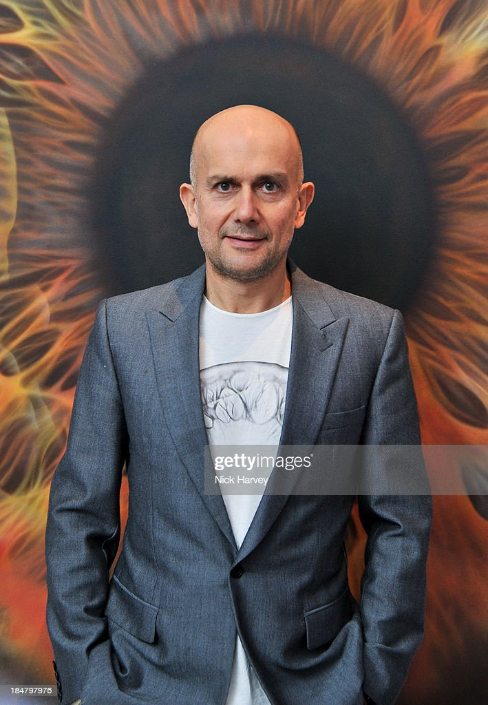 <a gi-track='captionPersonalityLinkClicked' href=/galleries/search?phrase=Marc+Quinn&family=editorial&specificpeople=664862 ng-click='$event.stopPropagation()'>Marc Quinn</a> attends Mimi Foundation 'The Power of Love' gala dinner and auction at Sotheby's on October 16, 2013 in London, England.
