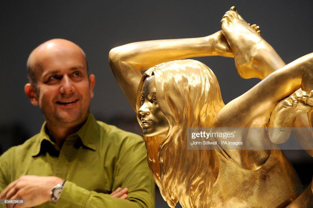 Marc quinn gold kate moss