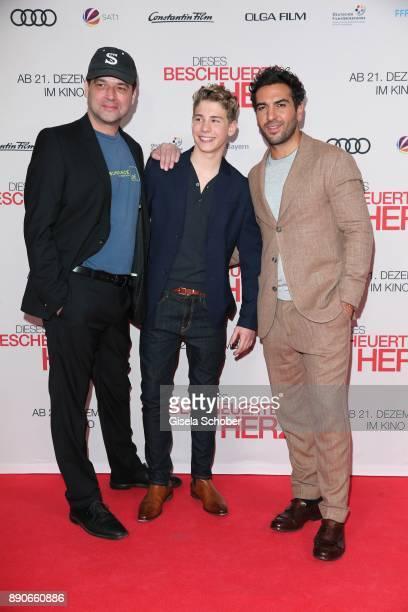 Marc Rothemund Philip Noah Schwarz and Elyas M'Barek during the 'Dieses bescheuerte Herz' premiere at Mathaeser Filmpalast on December 11 2017 in...