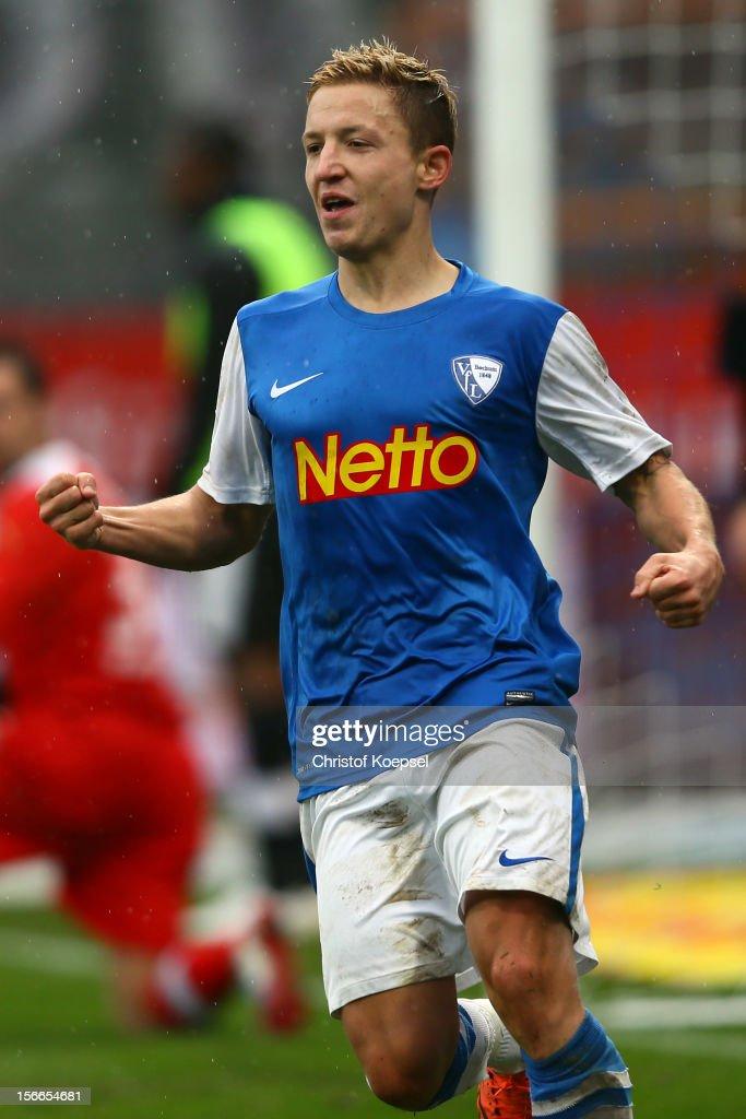 Marc Rzatkowski of Bochum celebrates the forth goal during the Second Bundesliga match betweeen VfL Bochum and SV Sandhausen at Rewirpower Stadium on...