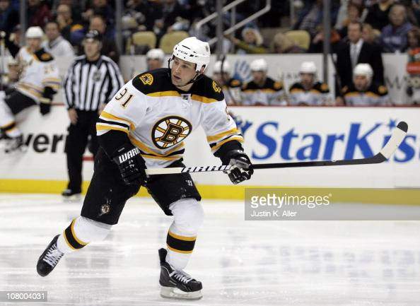 Marc Savard of the Boston Bruins skates against the Pittsburgh Penguins on January 10 2011 at Consol Energy Center in Pittsburgh Pennsylvania The...