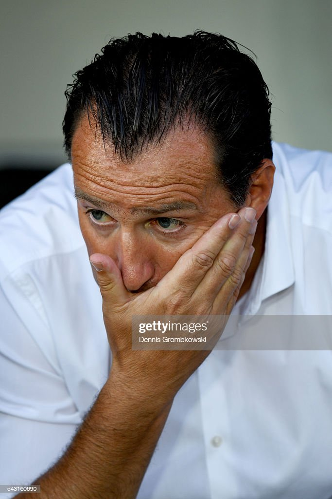 Marc Wilmots manager of Belgium looks on prior to the UEFA EURO 2016 round of 16 match bewtween Hungary and Belgium at Stadium Municipal on June 26, 2016 in Toulouse, France.