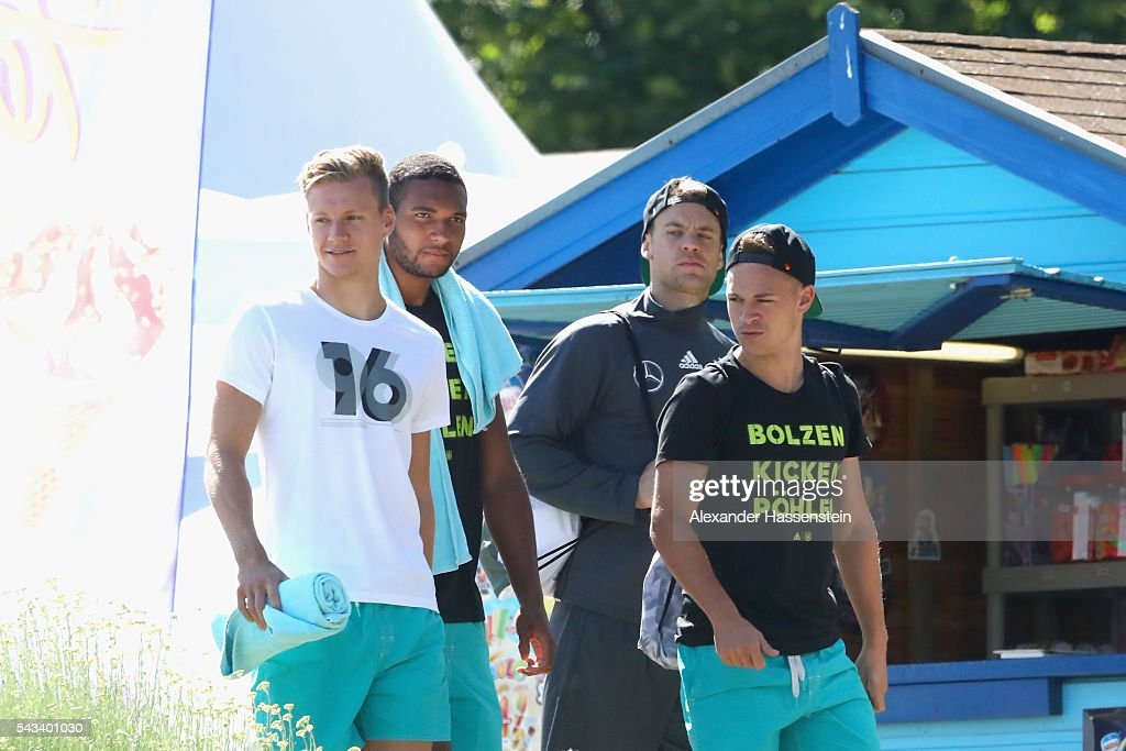 <a gi-track='captionPersonalityLinkClicked' href=/galleries/search?phrase=Marc-Andre+ter+Stegen&family=editorial&specificpeople=5528638 ng-click='$event.stopPropagation()'>Marc-Andre ter Stegen</a>, <a gi-track='captionPersonalityLinkClicked' href=/galleries/search?phrase=Jonathan+Tah&family=editorial&specificpeople=7917859 ng-click='$event.stopPropagation()'>Jonathan Tah</a>, <a gi-track='captionPersonalityLinkClicked' href=/galleries/search?phrase=Manuel+Neuer&family=editorial&specificpeople=764621 ng-click='$event.stopPropagation()'>Manuel Neuer</a> and <a gi-track='captionPersonalityLinkClicked' href=/galleries/search?phrase=Joshua+Kimmich&family=editorial&specificpeople=9479434 ng-click='$event.stopPropagation()'>Joshua Kimmich</a> of team Germany visits the public Evian swimming pool on June 28, 2016 in Evian-les-Bains, France.
