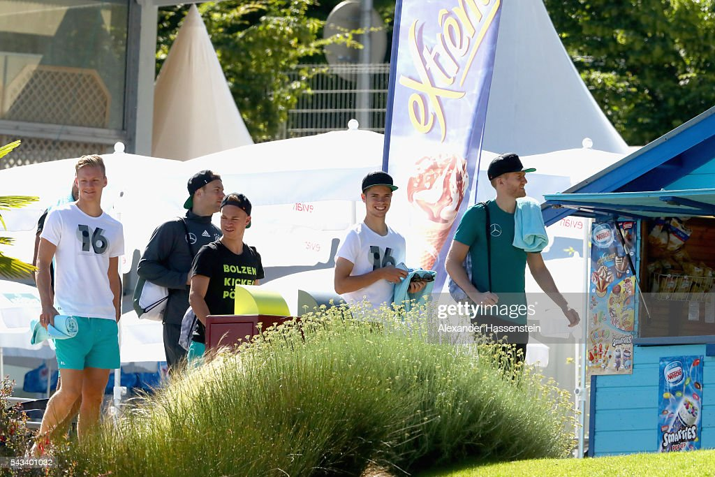 <a gi-track='captionPersonalityLinkClicked' href=/galleries/search?phrase=Marc-Andre+ter+Stegen&family=editorial&specificpeople=5528638 ng-click='$event.stopPropagation()'>Marc-Andre ter Stegen</a>, <a gi-track='captionPersonalityLinkClicked' href=/galleries/search?phrase=Manuel+Neuer&family=editorial&specificpeople=764621 ng-click='$event.stopPropagation()'>Manuel Neuer</a>, <a gi-track='captionPersonalityLinkClicked' href=/galleries/search?phrase=Joshua+Kimmich&family=editorial&specificpeople=9479434 ng-click='$event.stopPropagation()'>Joshua Kimmich</a>, <a gi-track='captionPersonalityLinkClicked' href=/galleries/search?phrase=Julian+Weigl&family=editorial&specificpeople=6850845 ng-click='$event.stopPropagation()'>Julian Weigl</a> and <a gi-track='captionPersonalityLinkClicked' href=/galleries/search?phrase=Andre+Schuerrle&family=editorial&specificpeople=5513825 ng-click='$event.stopPropagation()'>Andre Schuerrle</a> of team Germany visits the public Evian swimming pool on June 28, 2016 in Evian-les-Bains, France.