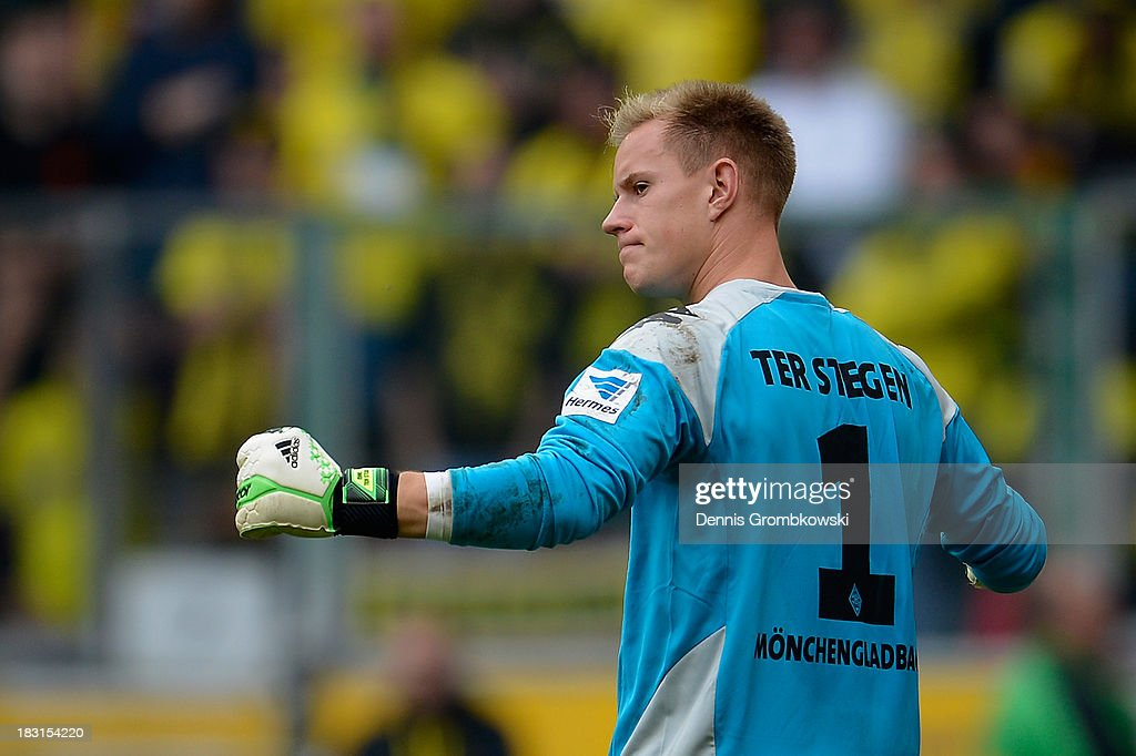<a gi-track='captionPersonalityLinkClicked' href=/galleries/search?phrase=Marc-Andre+ter+Stegen&family=editorial&specificpeople=5528638 ng-click='$event.stopPropagation()'>Marc-Andre ter Stegen</a> of Borussia Moenchengladbach celebrates after the Bundesliga match between Borussia Moenchengladbach and Borussia Dortmund at Borussia-Park on October 5, 2013 in Moenchengladbach, Germany.