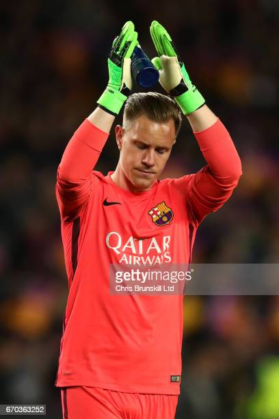 MarcAndre ter Stegen of FC Barcelona applauds the fans at the end of the UEFA Champions League Quarter Final second leg match between FC Barcelona...