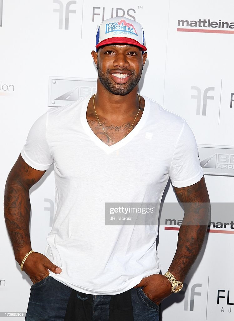 <a gi-track='captionPersonalityLinkClicked' href=/galleries/search?phrase=Marcedes+Lewis&family=editorial&specificpeople=453286 ng-click='$event.stopPropagation()'>Marcedes Lewis</a> attends the Matt Leinart Foundation's 7th Annual 'Celebrity Bowl' at Lucky Strikes on July 18, 2013 in Hollywood, California.