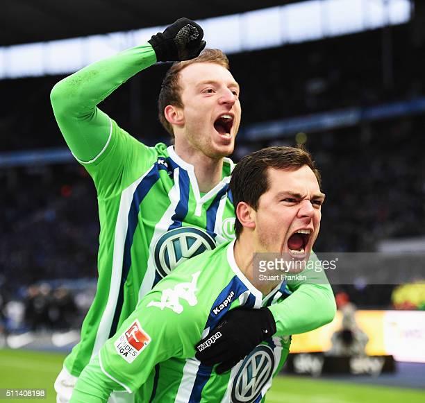 Marcel Schäfer of Wolfsburg celebrates scoring his goal during the Bundesliga match between Hertha BSC and VfL Wolfsburg at Olympiastadion on...