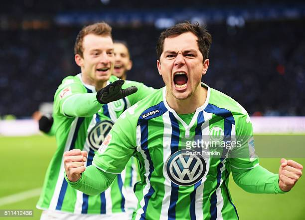 Marcel Schäfer of Wolfsburg celebrates scoring his goal with Maximilian Arnold during the Bundesliga match between Hertha BSC and VfL Wolfsburg at...