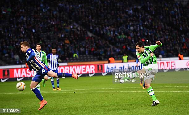Marcel Schäfer of Wolfsburg scores his goal during the Bundesliga match between Hertha BSC and VfL Wolfsburg at Olympiastadion on February 20 2016 in...