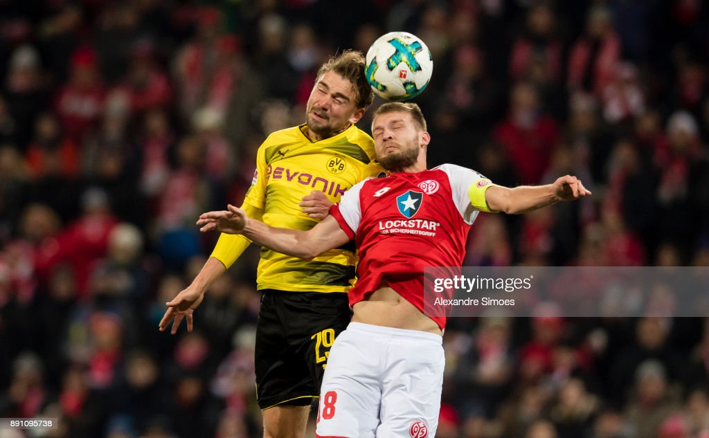 http://media.gettyimages.com/photos/marcel-schmelzer-of-borussia-dortmund-in-action-during-the-bundesliga-picture-id891095738?k=6&m=891095738&s=594x594&w=0&h=6xZC-coxNS8LjVabpFLyb_Syiig47Hg3lGJYy9Zs26k=